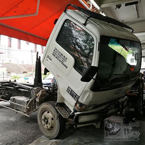 UD Trucks Air Cond Compressor